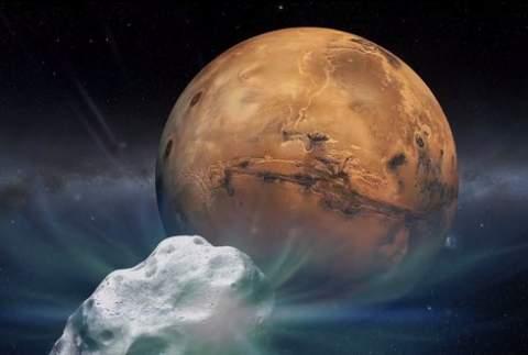 Комета ISON благополучно миновала орбиту Марса