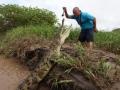 1397533501_thumb_nehvatka-adrenalina-kazhdyiy-den-tolkaet-ekskursovoda-v-past-k-alligatoram