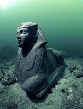 7 заброшенных мест с таинственной историей