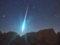 1402020542_krupnyiy-meteorit-voshel-v-plotnye-sloi-atmosfery-nad-central-noiy-chast-yu-kanady_1
