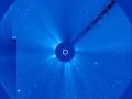 1403589962_Za-kometoiy-ISON-mozhno-nablyudat-s-pomosh-yu-kosmicheskoiy-observatorii-SOHO_1