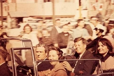 Что можно узнать о гибели Джона Кеннеди из фильма Запрудера?