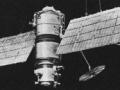 1405477981_pervyiy-sovetskiiy-meteosputnik-meteor-1-shodit-s-orbity-cherez-43-goda-posle-zapuska