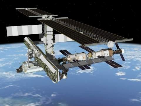 """""""Прогресс"""" пристыкован к МКС с помощью новой системы сближения."""