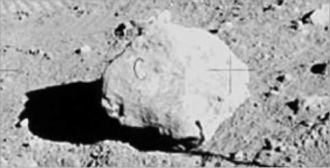 10 причин, по которым высадки на Луне могут быть мистификацией