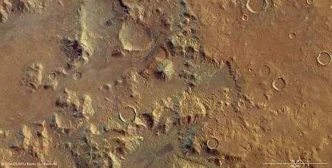 И снова намёки на марсианскую воду и древние ледники