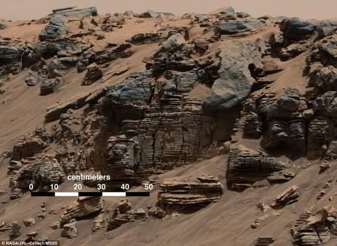 Марсоход Curiosity обнаружил на Марсе высохшее озеро